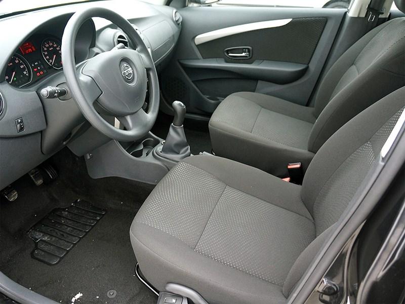 Nissan Almera 2013 передние кресла