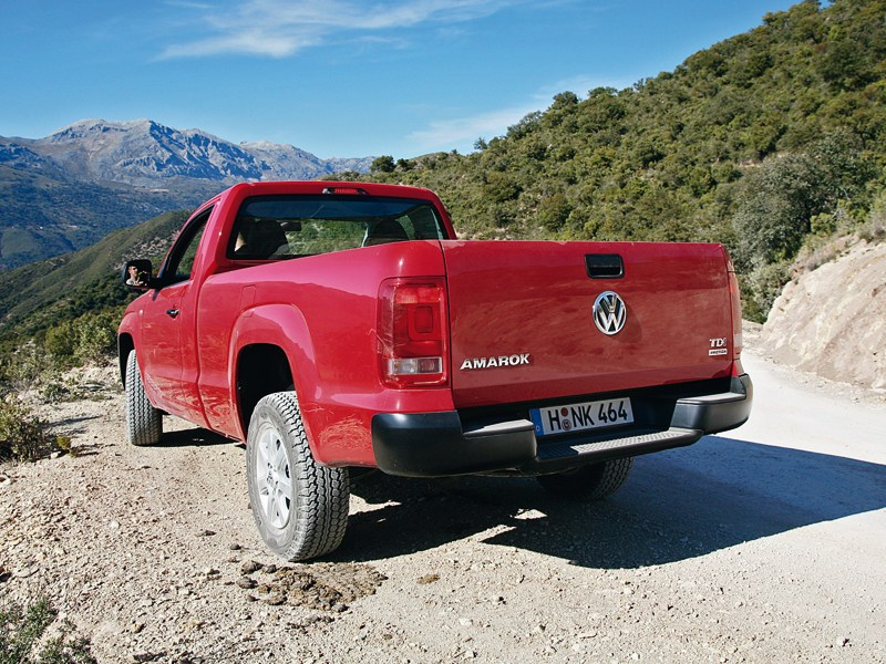 Volkswagen Amarok Single Cab 2012 вид сзади