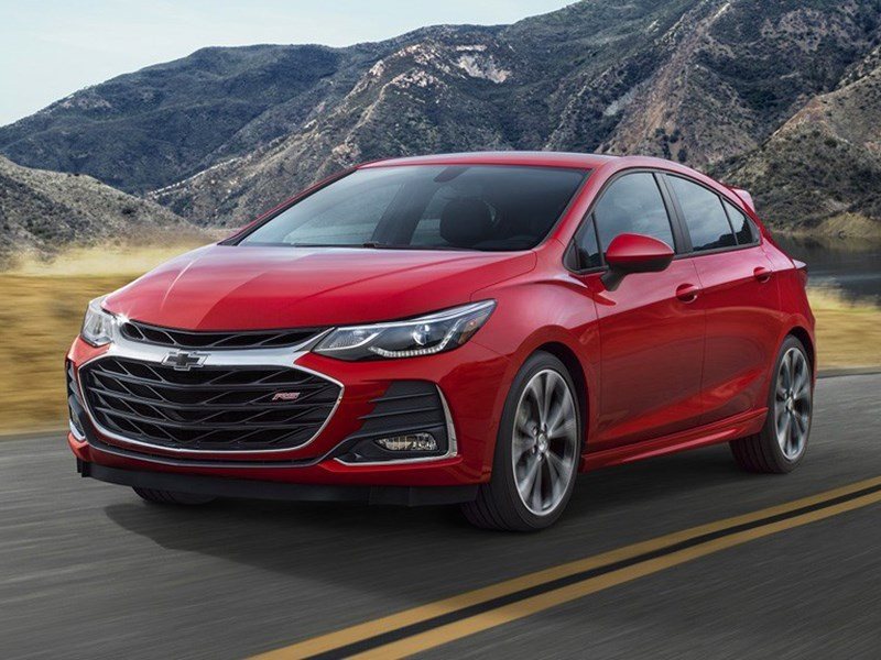 Chevrolet представил обновленные Spark, Cruze и Malibu Фото Авто Коломна