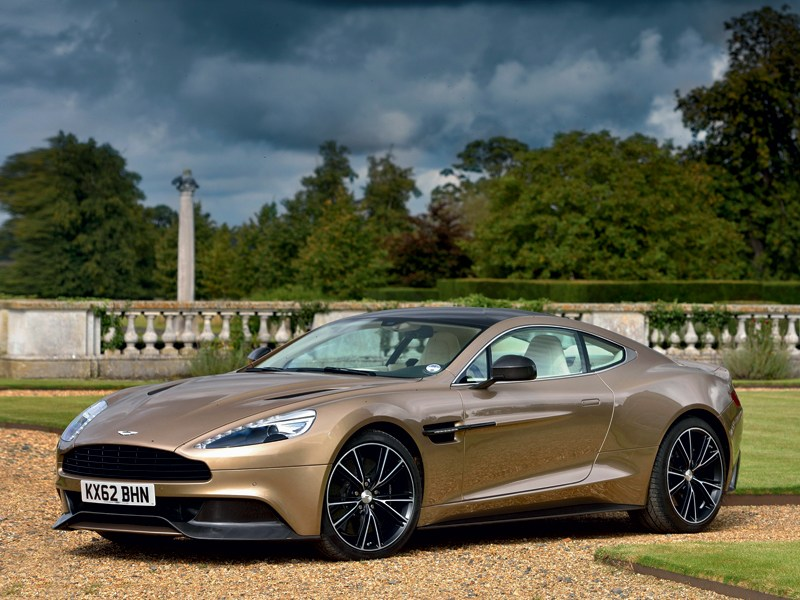 Aston Martin Vanquish 2013 вид сбоку