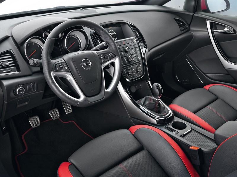 Opel Astra 2013 водительское место