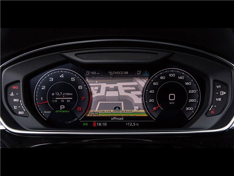 Audi A8 L 2018 приборная панель
