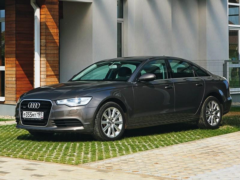 Audi A6 2011 вид спереди