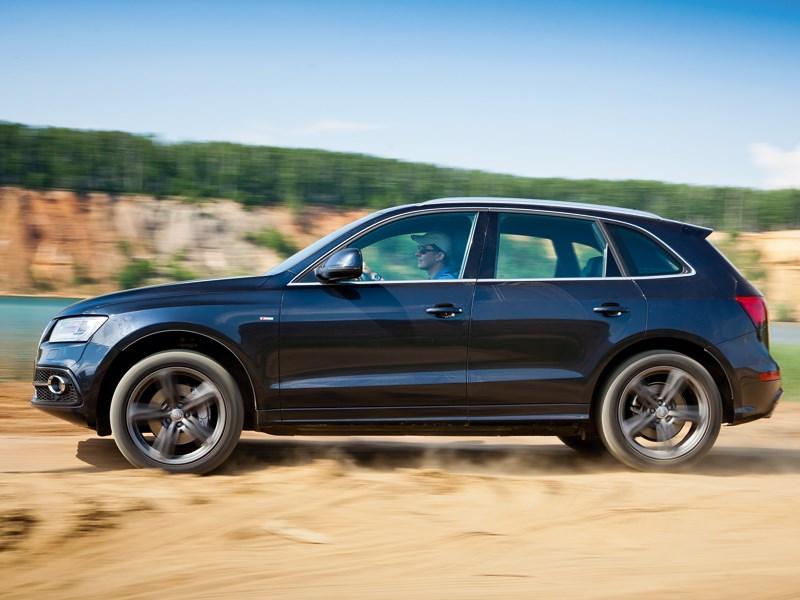 Audi Q5 2013 вид сбоку