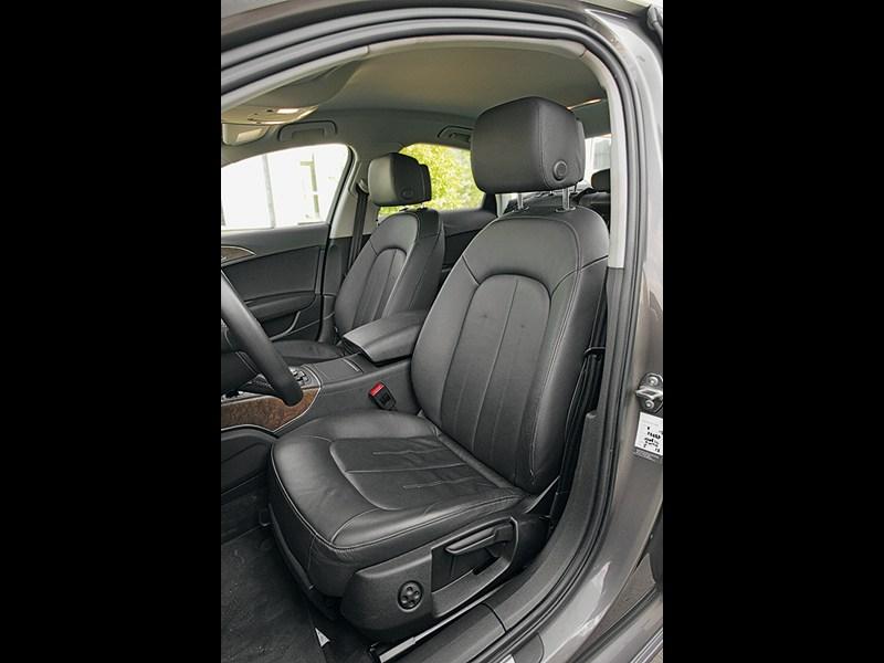Audi A6 2011 передние кресла