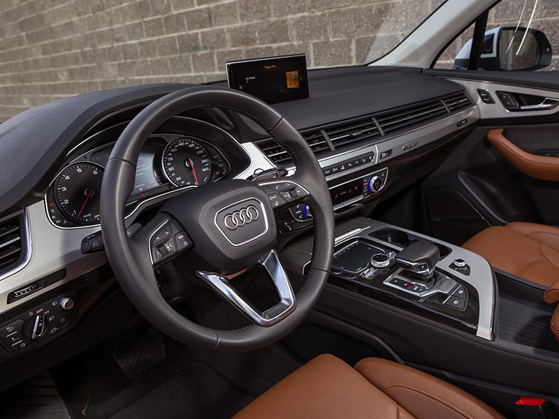 Audi Q7 2015 салон