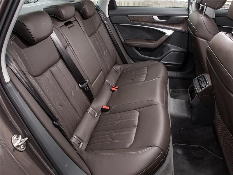 Audi A6 55 TFSI quattro 2019 задний диван