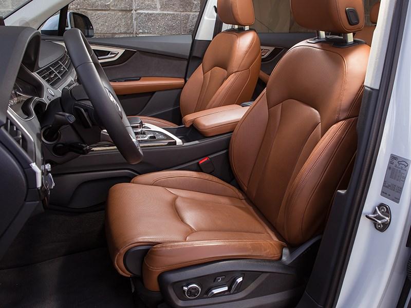 Audi Q7 2015 передние кресла