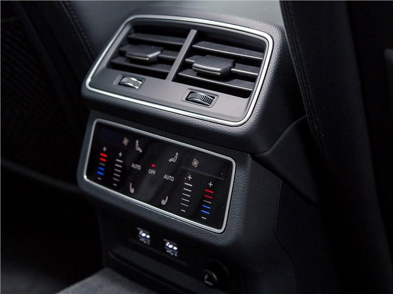 Audi A7 Sportback 2018 климат контроль для задних пассажиров