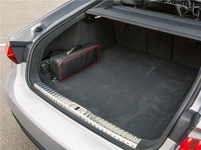 Audi A7 Sportback 2018 багажное отделение