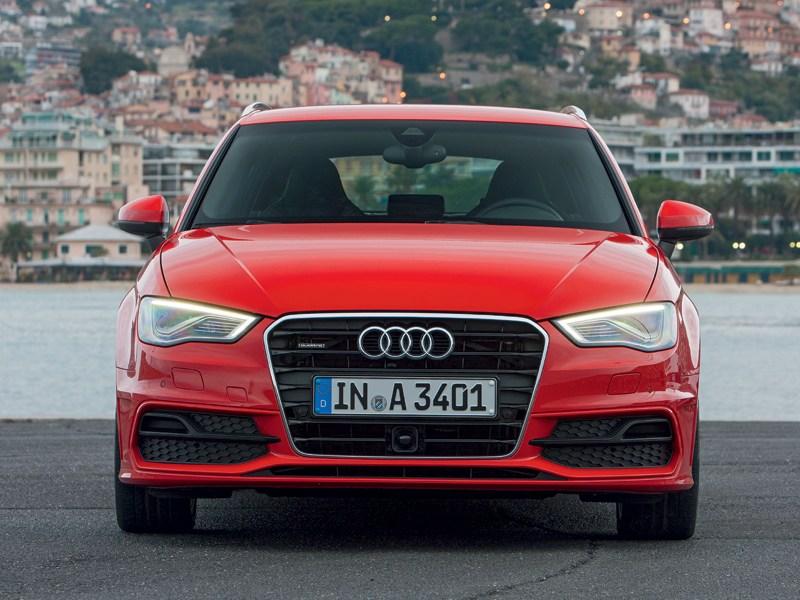 Audi A3 Sportback 2012 вид спереди