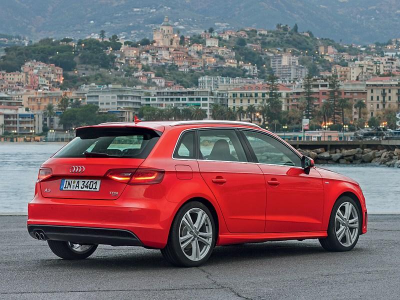 Audi A3 Sportback 2012 вид сзади