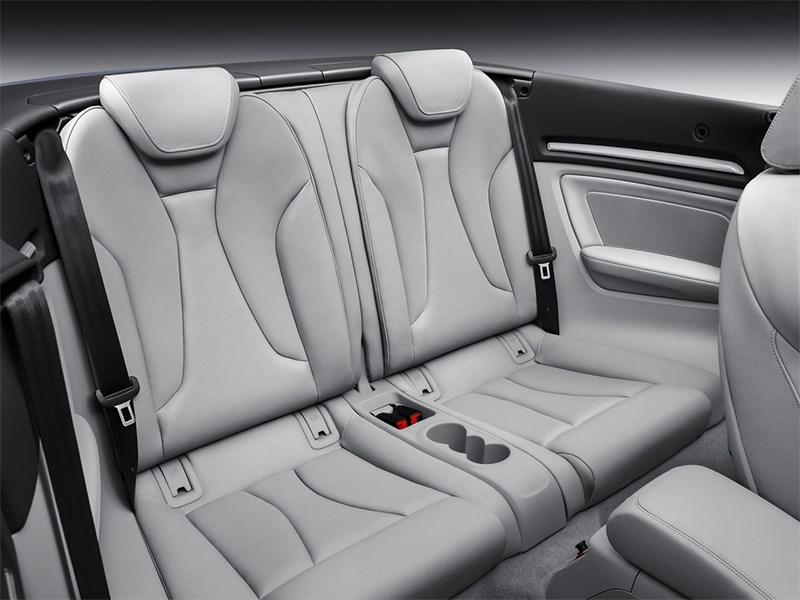 Audi A3 Cabriolet 2013 задние кресла