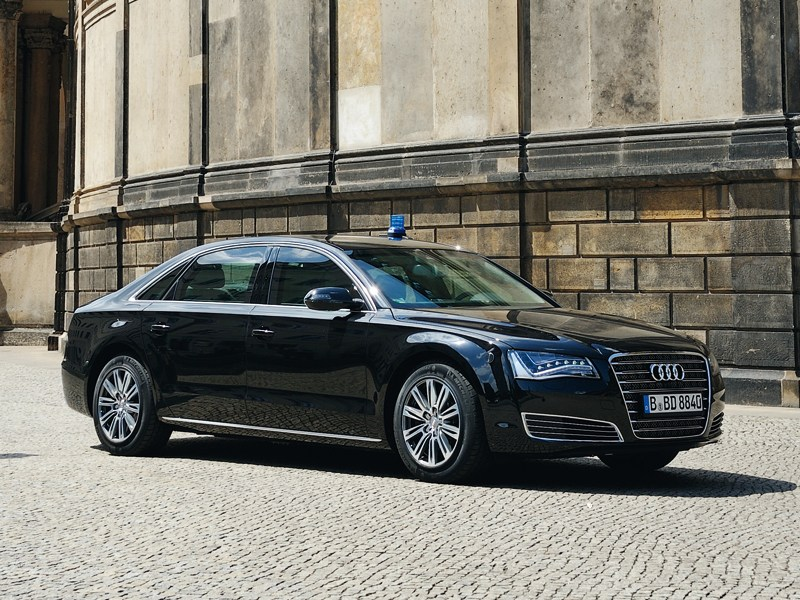 Audi A8 - audi a8 l security 2013 вид спереди