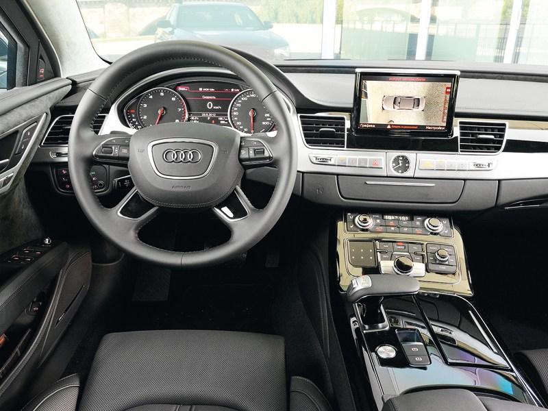 Audi A8 L Security 2013 водительское место