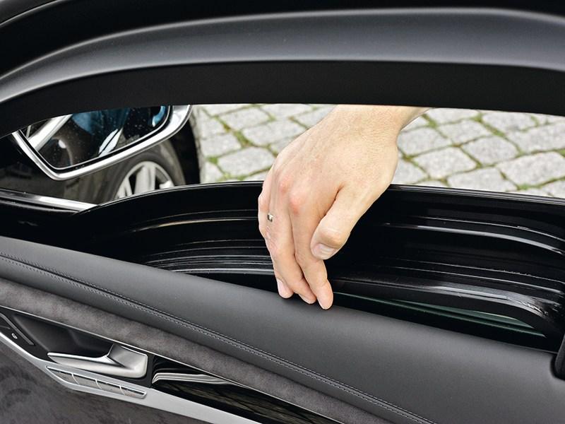 Audi A8 L Security 2013 дверь пассажира