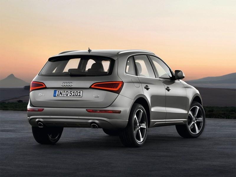 Audi Q5 2013 вид сзади