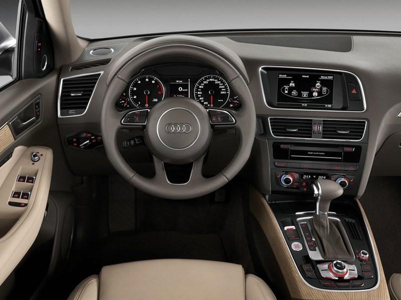 Audi Q5 2013 водительское место