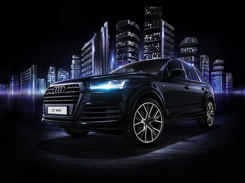 Audi представила спецверсию кроссовера Q7 для России