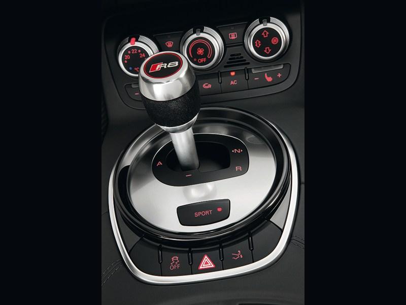 Audi R8 2013 7АМТ