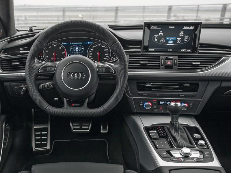 Audi RS6 2013 водительское место