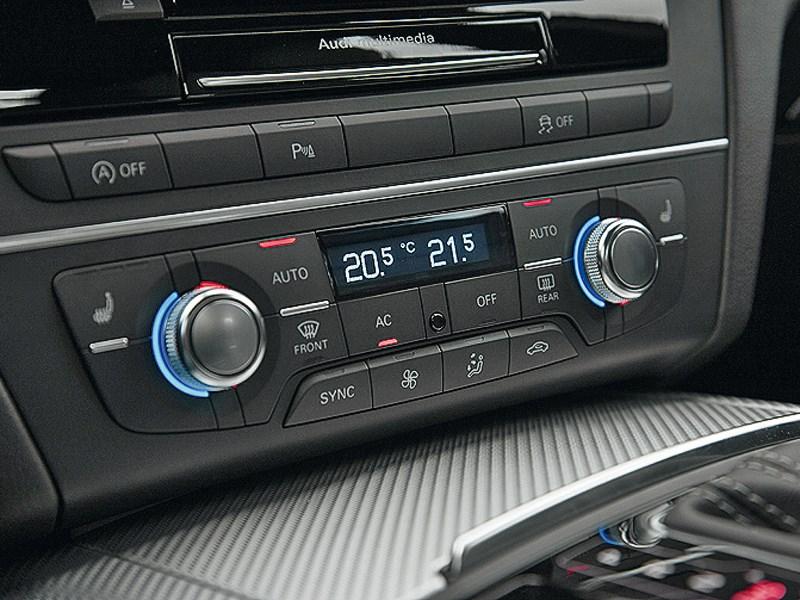 Audi RS6 2013 центральная консоль