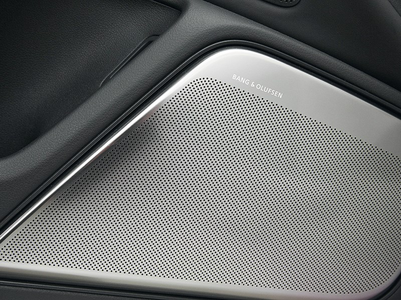 Audi RS6 2013 аудиоколонки