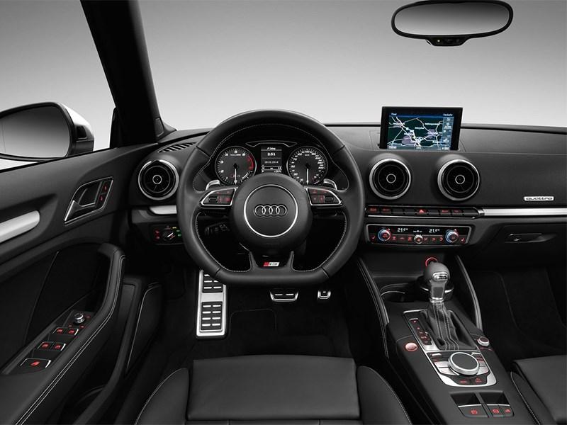 Audi S3 2015 водительское место