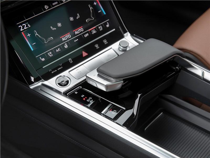 Audi e-tron Sportback (2021) центральный тоннель