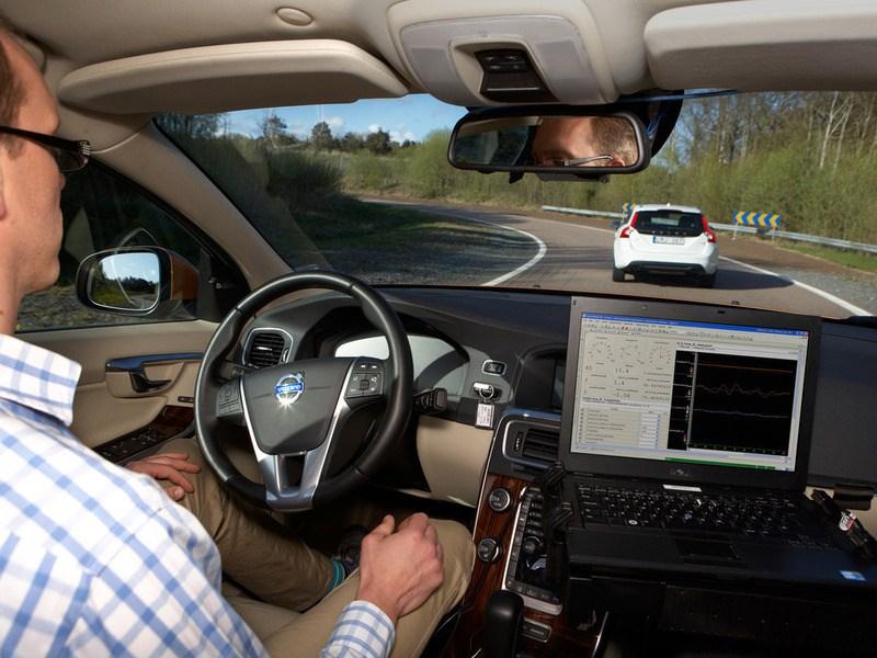 Наши ученые разработали автопилот для авто