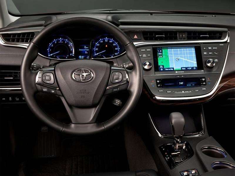 Toyota Avalon 2013 водительское место