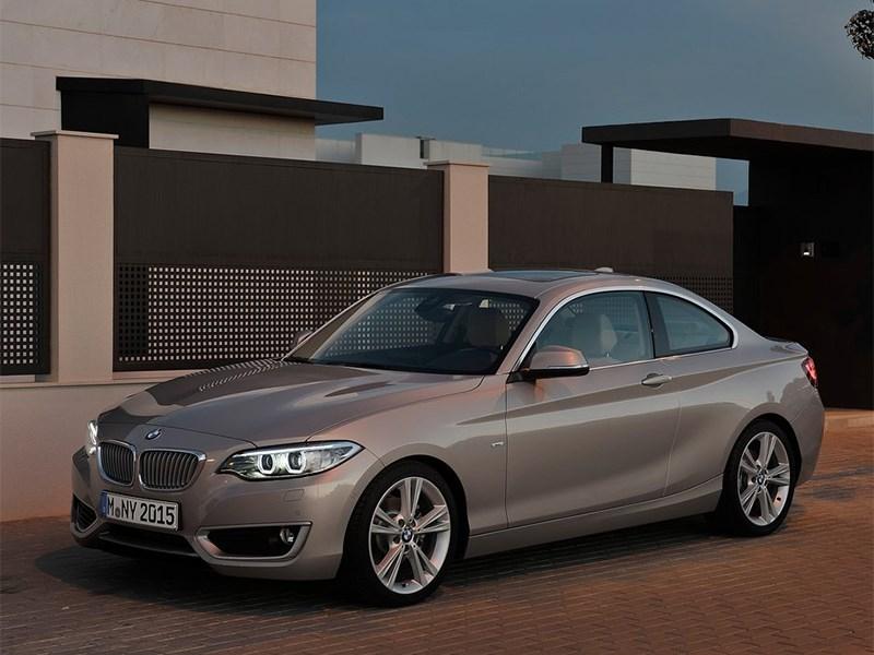BMW 2 Series 2013 вид спереди 3/4