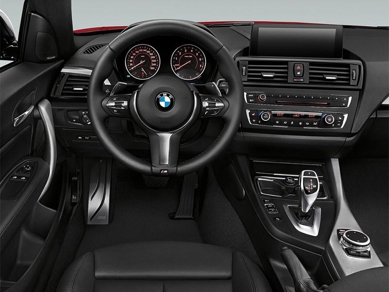 BMW 2 Series 2013 водительское место