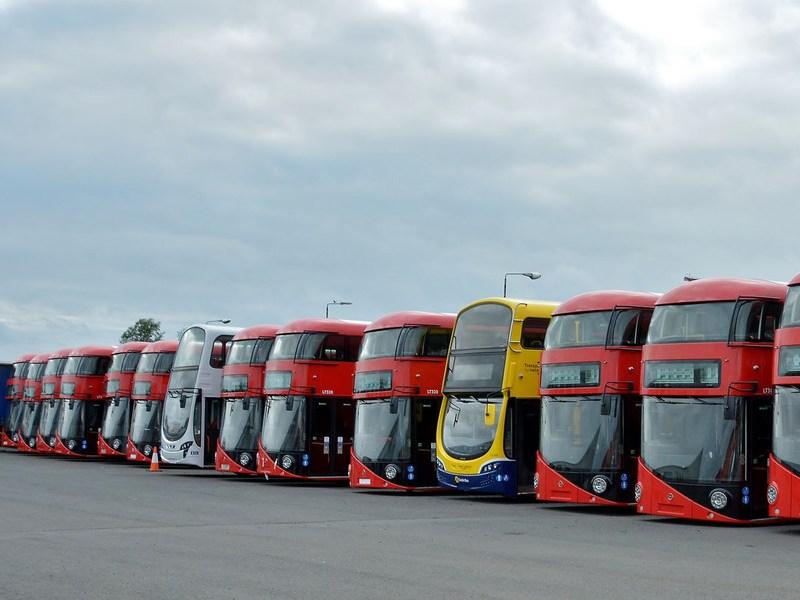 Сингапур начинает дорожные тесты беспилотных автобусов