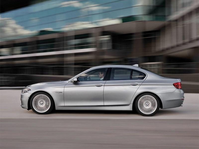 BMW 5 2013 вид сбоку