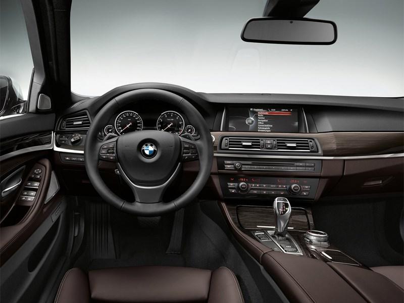 BMW 5 2013 водительское место