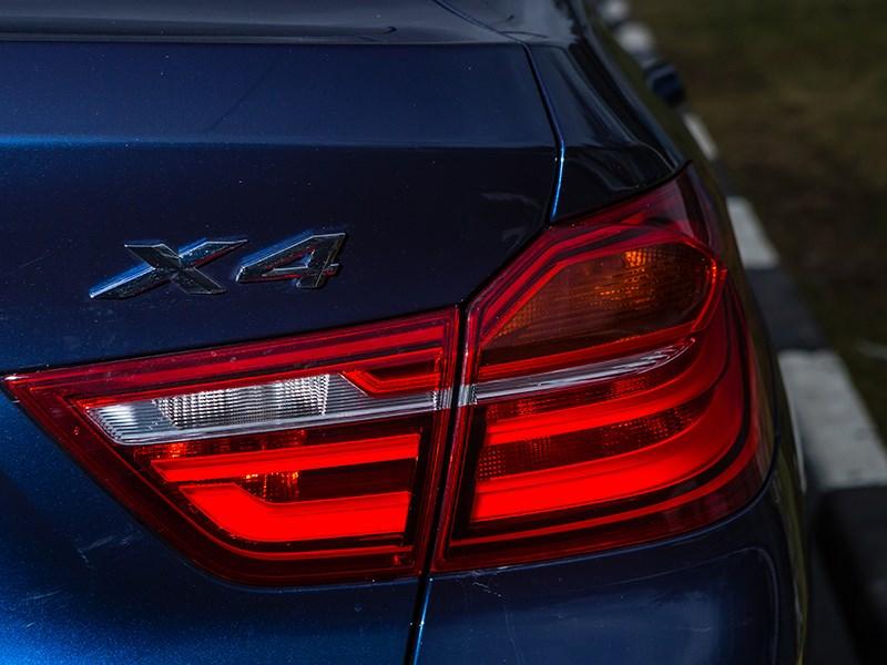 BMW X4 2014 задний фонарь