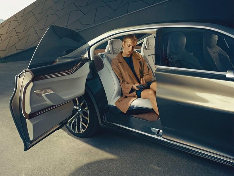 BMW Vision Future Luxury Concept 2014 пассажир на заднем кресле