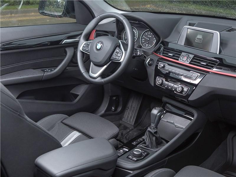 BMW X1 xDrive 2016 салон