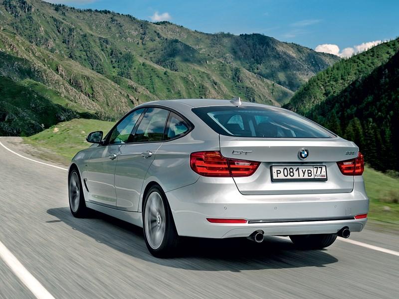 BMW 3 series GT 2013 вид сзади