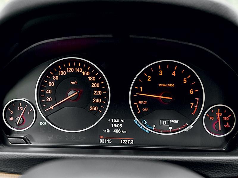 BMW 3 series GT 2013 приборная панель