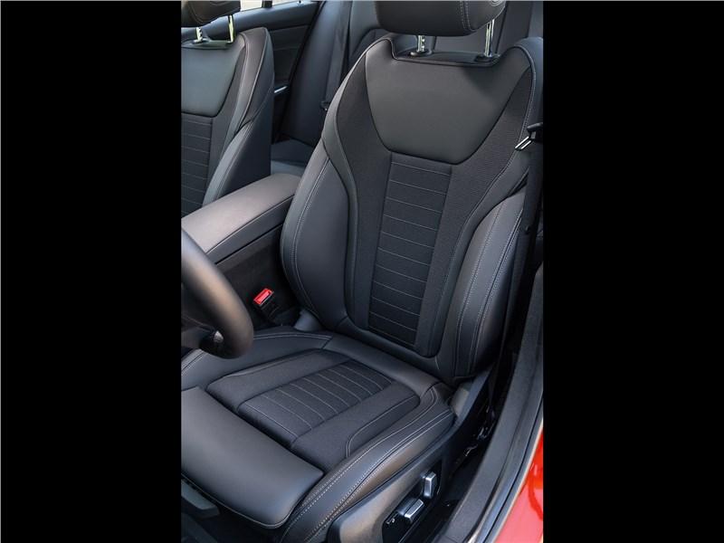 BMW 3-Series 2019 передние кресла