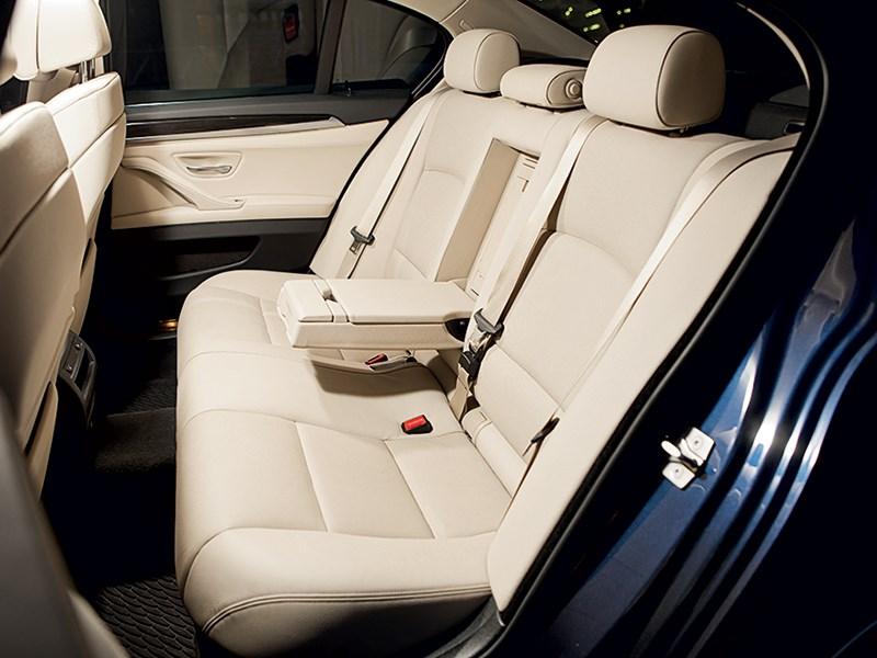 BMW 535i xDrive 2013 задний диван