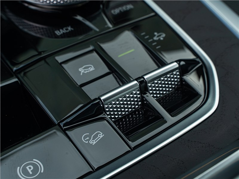 BMW X7 xDrive40i 2019 управление «внедорожным» пакетом