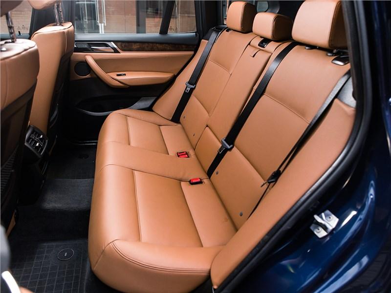 BMW X3 30d 2015 задний диван