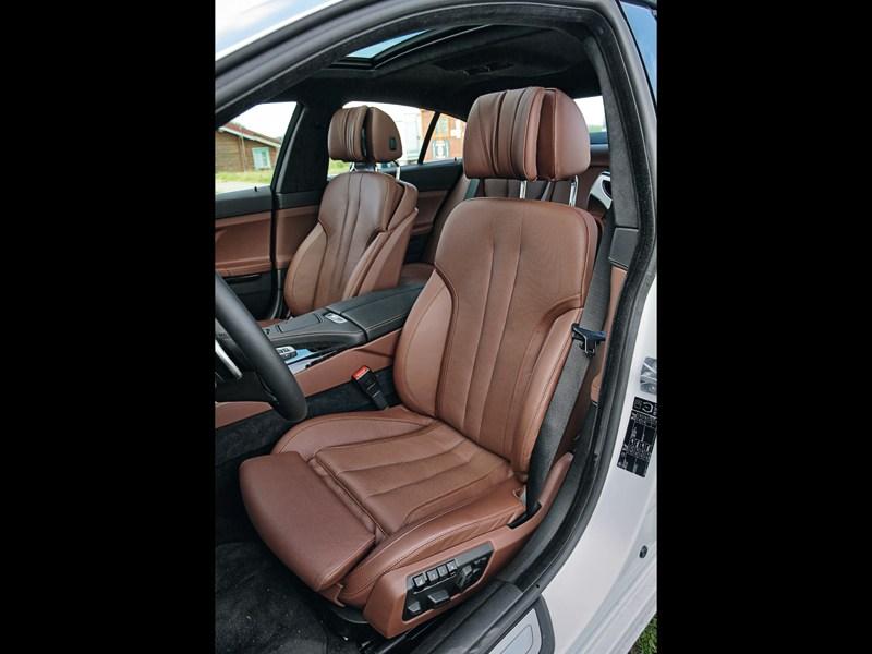 BMW 6 Series Gran Coupe 2012 передние кресла