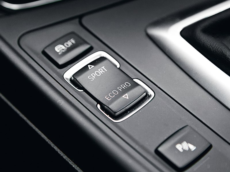 BMW M 135i xDrive 2013 переключение режимов
