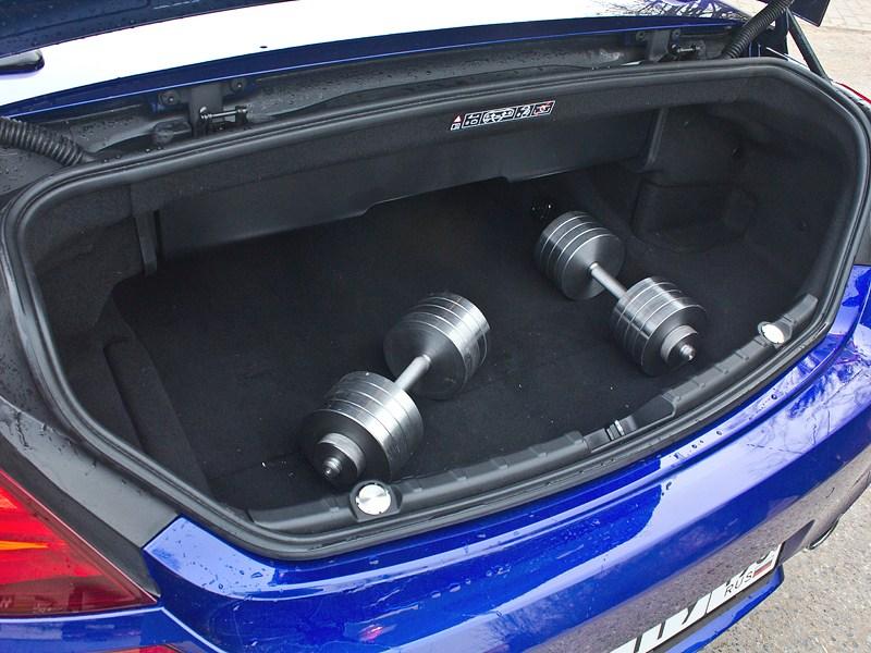 BMW M6 Cabrio 2012 багажное отделение