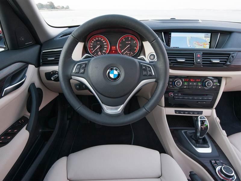 BMW X1 2013 водительское место