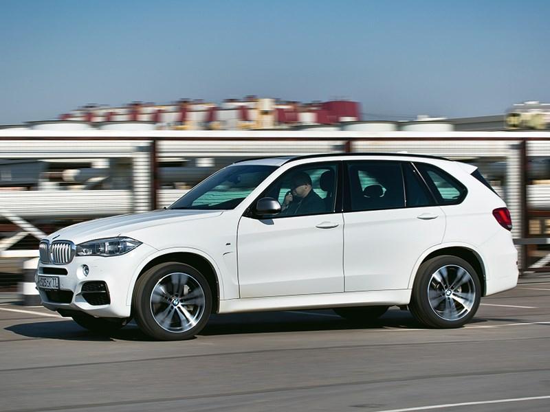 BMW X5 M50d 2013 вид сбоку